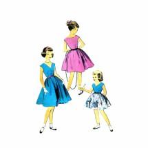 1950s Girls Full Skirt Dress Advance 6670 Vintage Sewing Pattern Size 4