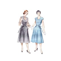 1950s Maternity Jumper or Scallop Trimmed Dress Butterick 5778 Vintage Sewing Pattern Size 16