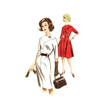 1960s Misses Welt Seamed V-Neck Slim or Flared Dress Butterick 9895 Vintage Sewing Pattern Size 14