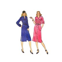 1970s Misses Loose Fitting Front Button Dress Butterick 6622 Vintage Sewing Pattern Size 10 Bust 32 1/2