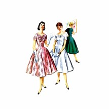 1950s V-Neckline Princess Seam Full Skirt Dress McCalls 3529 Vintage Sewing Pattern Size 14 Bust 32