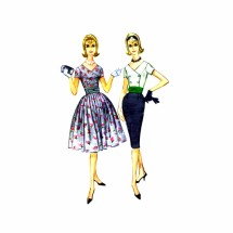 1960s Double Breasted V-Neck Dress McCalls 5671 Vintage Sewing Pattern Size 13 Bust 33
