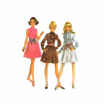 1960s Full Skirt Dress McCalls 9509 Vintage Sewing Pattern Size 9 Bust 33