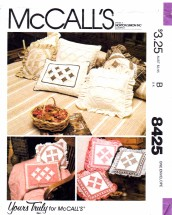 McCall's 8425 Sewing Pattern Pillow Package