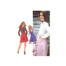 1970s Girls Culottes with Detachable Bib and Blouse McCalls 5419 Vintage Sewing Pattern Size 7
