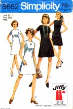 Simplicity 8682 Vintage Sewing Pattern Shift Dress Size 10 Bust 32 1/2