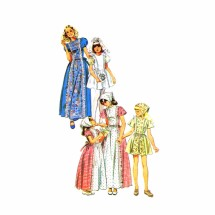 1970s Girls Folklore Flowergirl Dress Simplicity 6242 Vintage Sewing Pattern Size 8
